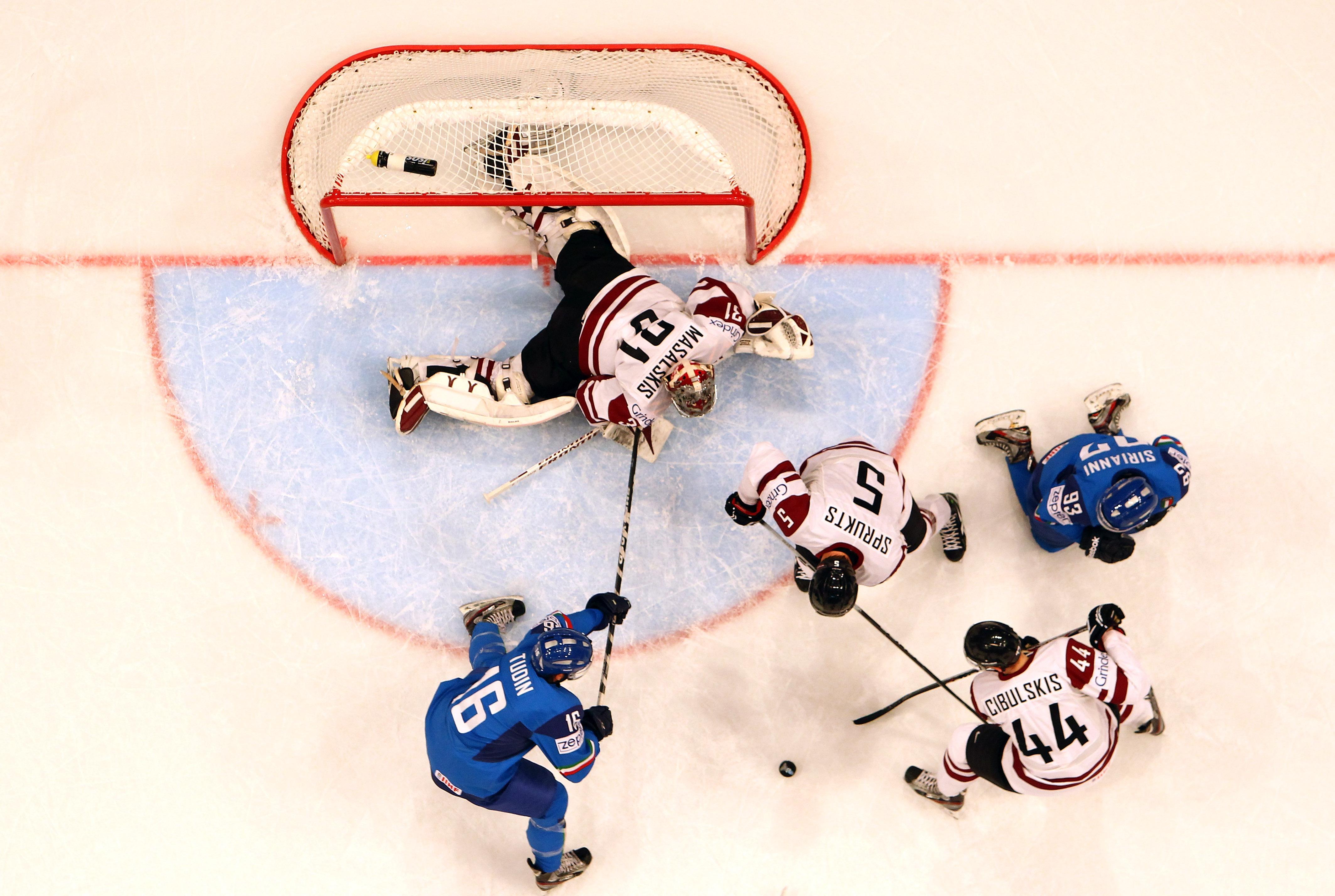 Хоккеисты сборной Латвии одержали 3-ю победу подряд наЧМ