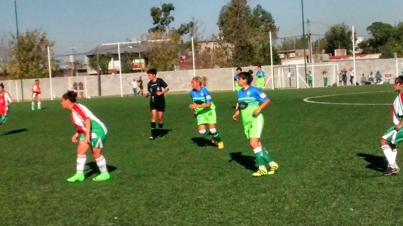 Девушка Марадоны рукой забила 1-ый гол вкарьере