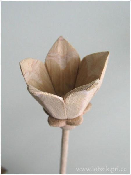 Как сделать деревянный цветок 926