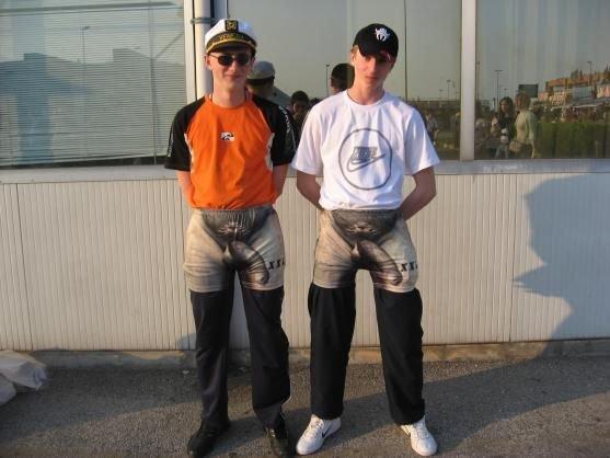 фото членів в штанах