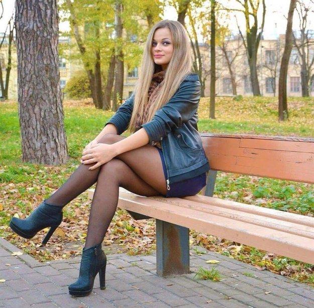 video-russkie-zhenshini-v-chulkah