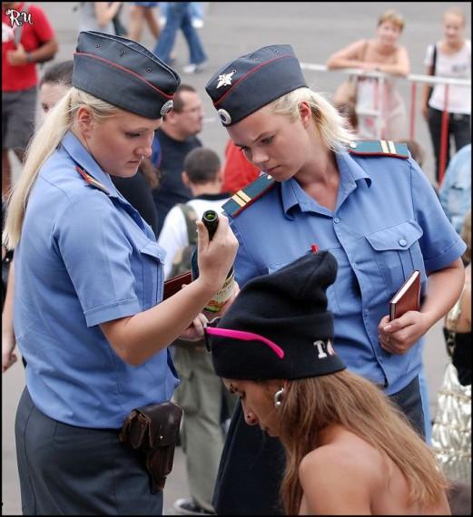 kak-menya-otshlepal-politseyskiy