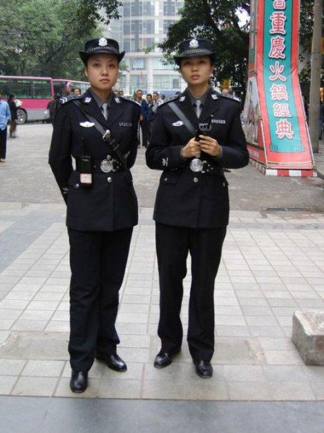 Девушки полицейские разных стран