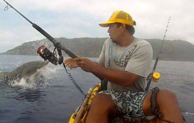 пойманного рыбак съел