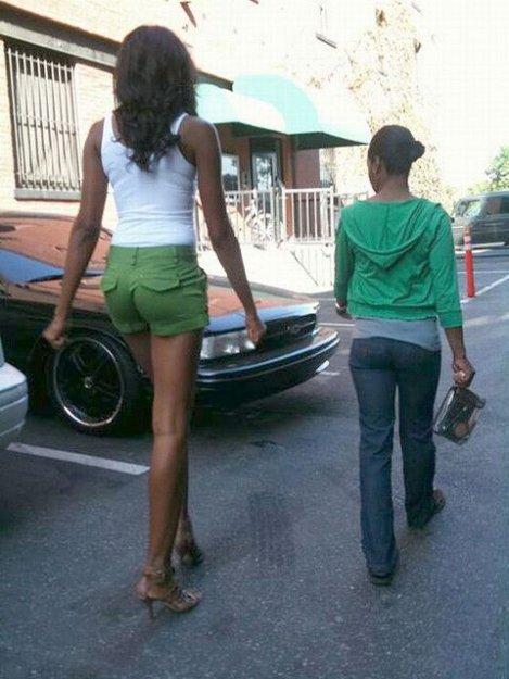 Высокие девушки в обтягивающем