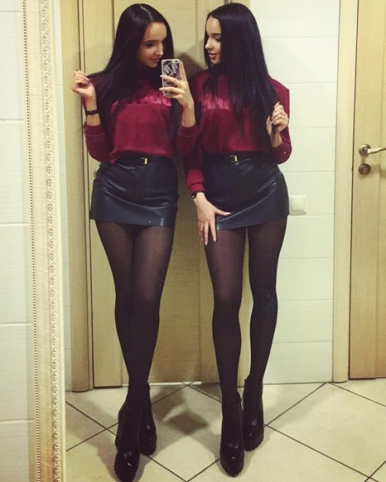 девочки фото в коротких юбках