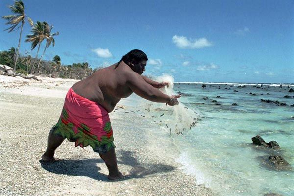 Жирные люди на море видео