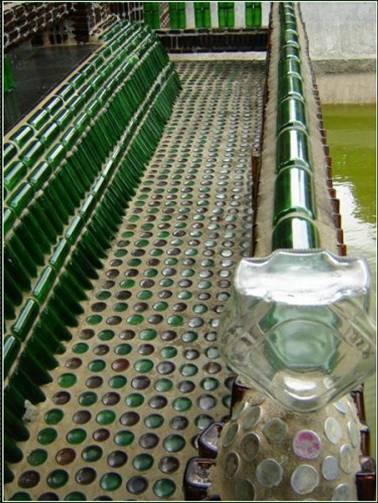 Дизайн из бутылок фото