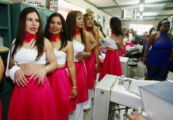 девушки сидящие в тюрьме знакомства