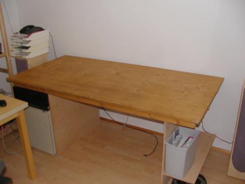 Своими руками изготавливаю компьютерный стол
