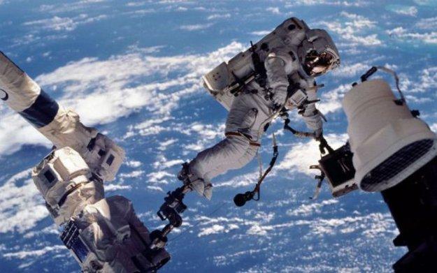 Сколько зарабатывают космонавты разных стран мира