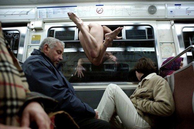 eroticheskie-rasskaza-v-transporte