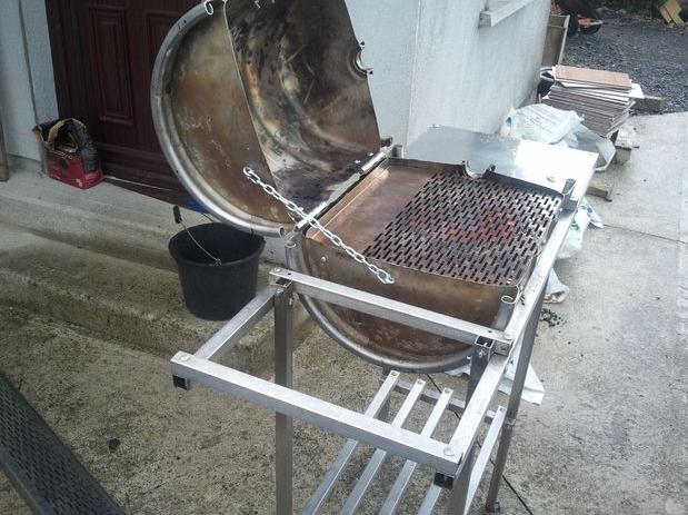 Сделать барбекю из бочки