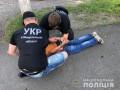 На Закарпатье школьник с пистолетом отобрал выручку на заправке