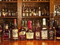 Охранник украл в элитном магазине виски на сумму в 0,5 млн грн