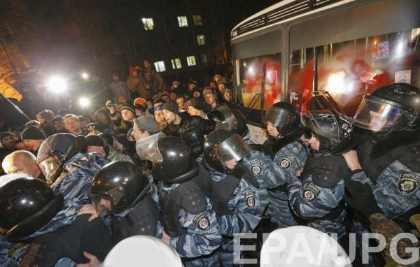 Официально: по Майдану стреляли из оружия Беркута