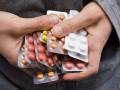 Украинцам разрешили возвращать лекарства в аптеку