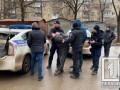 В Кривом Роге мужчина устроил стрельбу по полицейским