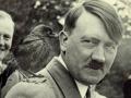 Уволенная за пост о Гитлере учительница подала в суд на школу и горсовет Львова
