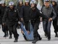В Тунисе рэпер осужден за посвященную полицейским песню Собаки