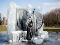 Швейцария из-за морозов покрылась льдом