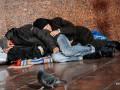В Венгрии запретили спать на улице