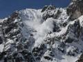 Карпаты засыпало снегом: Объявлено штормовое предупреждение