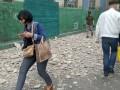 На Жилянской в Киеве часть стены здания обрушилась на прохожего