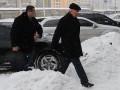 Во время инспекции по Киеву Азаров застрял в снежном заносе на Дарницком мосту