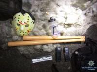 В Киеве трое грабителей с битами напали на прохожего