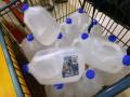 Британские сети супермаркетов обвинили в продаже воды из-под крана