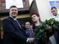 Шарфик для первой леди: жена Януковича празднует день рождения