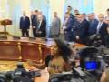 Голая девушка прервала встречу Порошенко и Лукашенко