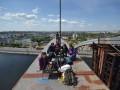 На арке Подольского моста в Киеве приготовили шашлык