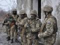 На Донбассе за сутки 12 обстрелов, ранен боец