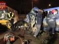 В Киеве в лоб столкнулись маршрутка и микроавтобус