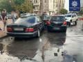В Киеве водитель Mercedes разбил пять автомобилей