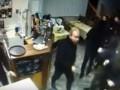 Вооруженные люди избили посетителей ресторана: Опубликовано видео