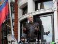 Ассанж выезжает из посольства Эквадора - Bloomberg