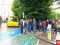 В Черновцах бастуют перевозчики