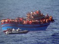 У берегов Ливии спасли более 400 нелегальных мигрантов