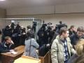 Допрос Януковича вызвал ажиотаж среди журналистов и активистов