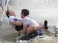 Фотогалерея: Последний звонок-2012. Массовые купания выпускников на Майдане Незалежности