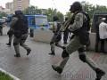 Посольства, вузы и супермаркеты: Киев захлестнули