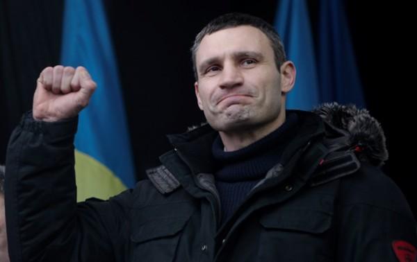 Лидер удара попросил митингующих продлить перемирие с силовиками