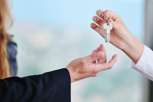 Власти хотят запретить людям сдавать квартиры посуточно