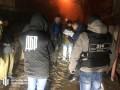 Сотрудника полиции задержали при продаже наркотиков