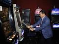 Ляшко с кувалдой пошел громить игровые автоматы (ФОТО, ВИДЕО)