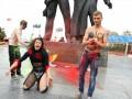 В Киеве мужской Femen оголился в поддержку Азарова (ФОТО)