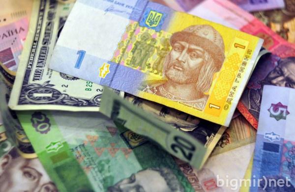 Кабмин взял курс на девальвацию, которая экономически ничем не оправдана